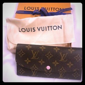 Louis Vuitton Emilie Wallet never been used